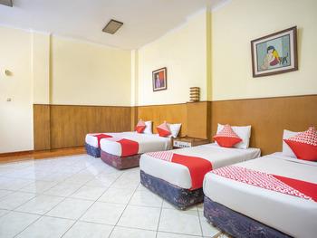 OYO 2706 Hotel Lodaya Syariah Bandung - Suite Family Regular Plan