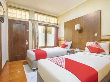 OYO 2706 Hotel Lodaya Syariah Bandung - Standard Twin Room Regular Plan