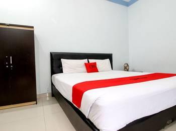 RedDoorz Plus @ Timoho Yogyakarta - RedDoorz Room with Breakfast Kurma Deal