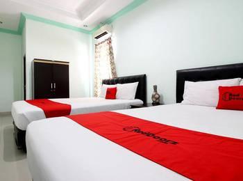 RedDoorz Plus @ Timoho Yogyakarta - RedDoorz Family Room with Breakfast Kurma Deal