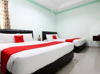 RedDoorz Plus @ Timoho Yogyakarta - RedDoorz Family Room Kurma Deal