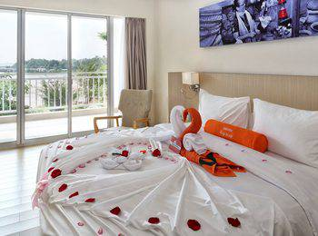 HARRIS Resort Barelang Batam Batam - HARRIS Suite Regular Plan
