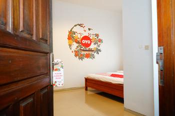 OYO 357 Hotel Meigah Belitung - Deluxe Double Room Regular Plan