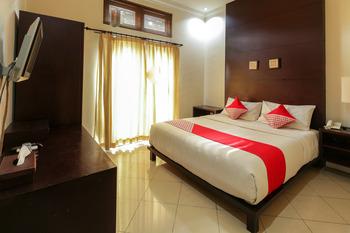 OYO 482 Anika Guest House Bali - Standard Double Room Regular Plan