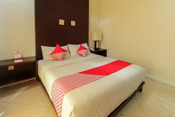 OYO 482 Anika Guest House Bali -  Suite Family Room Regular Plan