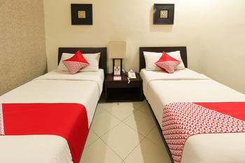 OYO 482 Anika Guest House Bali - Standard Twin Room Regular Plan