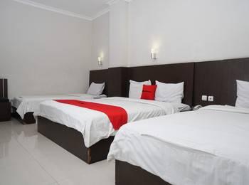 RedDoorz @Cihampelas 3 Bandung - RedDoorz Family Room Pegipegi 12.12