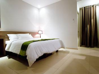 Hotel Aswin Makassar - Deluxe King Room with Free Spa Facilities Access for 2 Pax Regular Plan