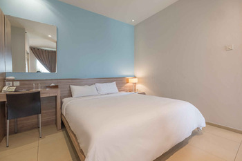 Aswin Hotel & Spa Makassar - Deluxe Double Regular Plan