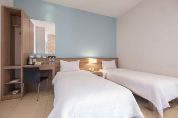Aswin Hotel & Spa Makassar - Deluxe Twin Regular Plan