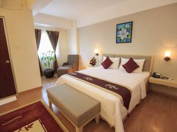 Gunawangsa Manyar Hotel Surabaya - Deluxe Business King BUSINESS KING ROOM ONLY