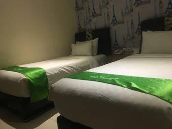 Tab Hotel Surabaya - Standard Twin Room Only Regular Plan