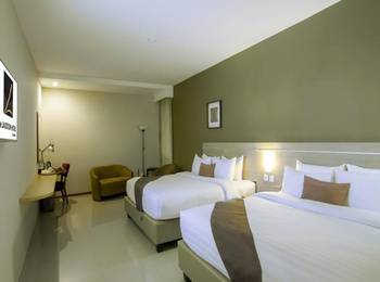 de Laxston Hotel  Yogyakarta - Suite Room Regular Plan