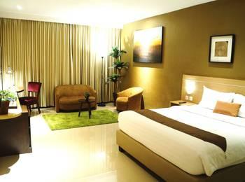 de Laxston Hotel  Yogyakarta - Suite King Room With Breakfast Regular Plan