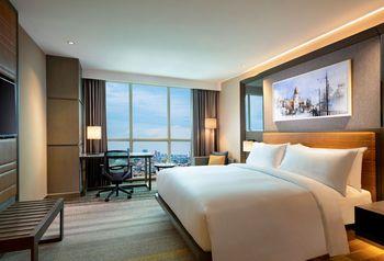 DoubleTree by Hilton Surabaya Surabaya - King Guest Room Only Regular Plan