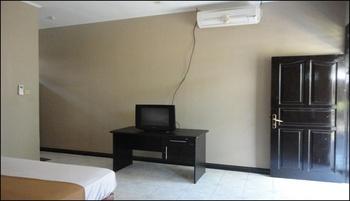 Pakuna Beach Hotel Lombok - Deluxe Double or Twin Room Regular Plan