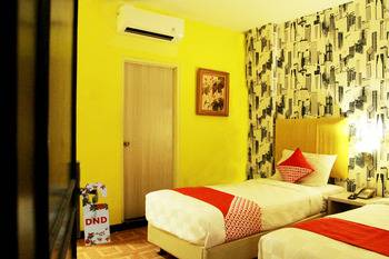 OYO 119 Belvena Hotel Jakarta - Standard Twin Room Only Last