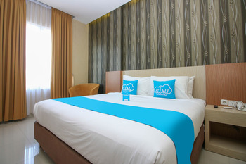 Airy Alun Alun Pamitran Cirebon - Superior Double Room with Breakfast Special Promo Aug 51