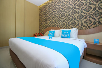 Airy Alun Alun Pamitran Cirebon - Deluxe Double Room with Breakfast Special Promo Aug 51