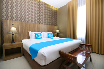 Airy Alun Alun Pamitran Cirebon - Junior Suite Double Room with Breakfast Regular Plan