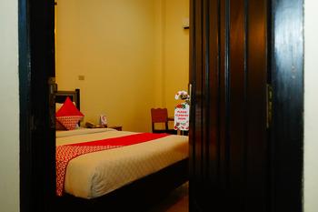 OYO 843 Pasadena Hotel