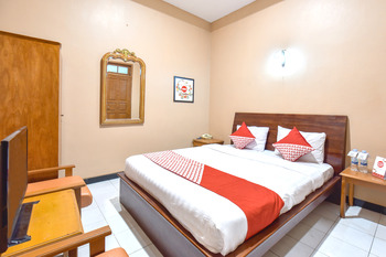 OYO 369 hotel sekar ayu Yogyakarta - Standard Double Room Regular Plan