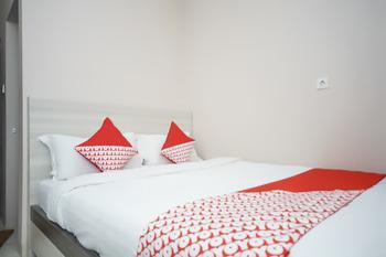 OYO 270 Madinah Residence Syariah Palembang - Standard Double Room Regular Plan