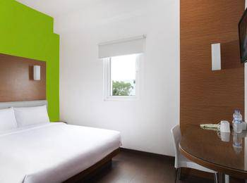 Amaris Hotel Malang - Smart Room Queen Staycation Offer Room Only Regular Plan