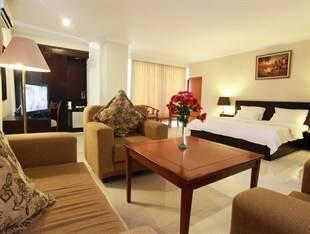 Plaza Hotel Tegal - Kamar Junior Suite Regular Plan