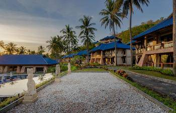Wyndham Sundacer Resort Lombok