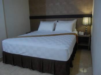 Best Skip Hotel Palembang - Business Deluxe Room  Regular Plan