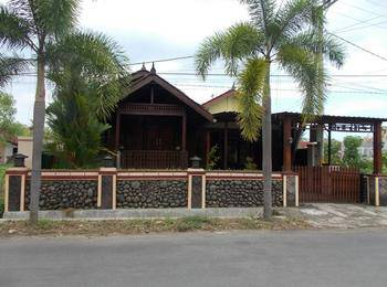 Jati Classic Homestay Banyuwangi - 2 Bed Room Regular Plan