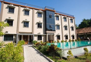 Grand Senggigi Hotel