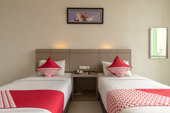 OYO 319 Putra Mulia Hotel Medan - Standard Twin  Room Regular Plan