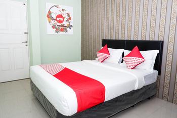 OYO 338 Guest House Omah Manahan Syariah Solo - Standard Double Room Regular Plan