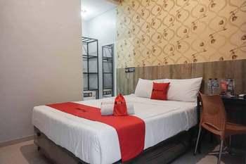 RedDoorz @ Bukit Dieng 2 Malang - RedDoorz Room Last Minute Deal