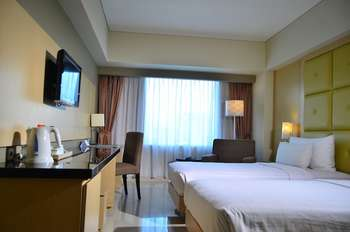 Hotel Santika Makassar - Deluxe Room Twin Offer Regular Plan