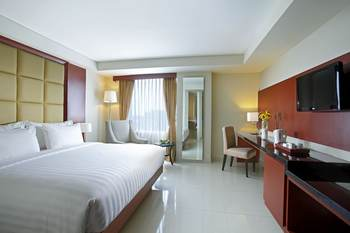 Hotel Santika Makassar - Deluxe Room King Promotion Regular Plan