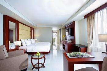Hotel Santika Makassar - Deluxe Room King Staycation Offer Regular Plan