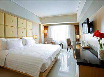 Hotel Santika Makassar - Deluxe Room King Regular Plan