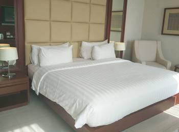 Hotel Santika Makassar - Executive Suite Room King Regular Plan