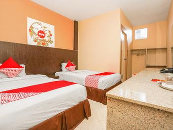 OYO 1093 Hotel Griyo Avi Surabaya - Standard Twin Room Regular Plan