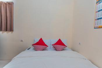 OYO 2230 Ava Guest House Jakarta - Deluxe Double Room Regular Plan