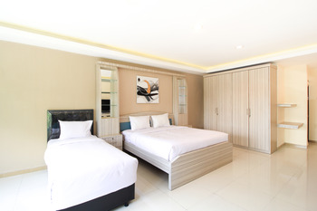 K-60 Residence Surabaya - Suite Triple Regular Plan