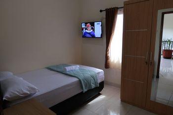 Solota Guest House Syariah Solo - Standard Room Regular Plan