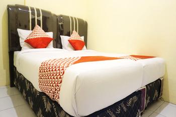 OYO 1192 Lotus Inn Pekanbaru - Standard Twin Room Regular Plan