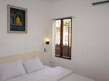 Cempaka Guest House Borobudur - Superior Double Room basic deal