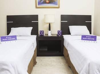 Tinggal Standard Penjaringan Bandengan Selatan Jakarta - Superior Room Romantic Stay - 50%