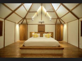 Kokomo Resort Gili Gede Lombok - Hilltop Villa Kecil Regular Plan