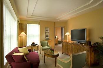 Conrad Centennial Singapore - Suite, 2 Twin Beds (Centennial) Regular Plan
